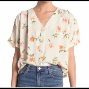 Elodie floral v-neck button down top